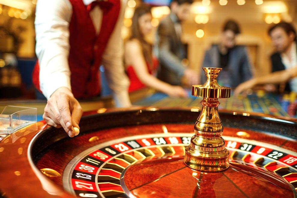 Người mới nên chơi Baccarat, Blackjack, Roulette hay Sicbo Tài Xỉu?Người mới nên chơi Baccarat, Blackjack, Roulette hay Sicbo Tài Xỉu?
